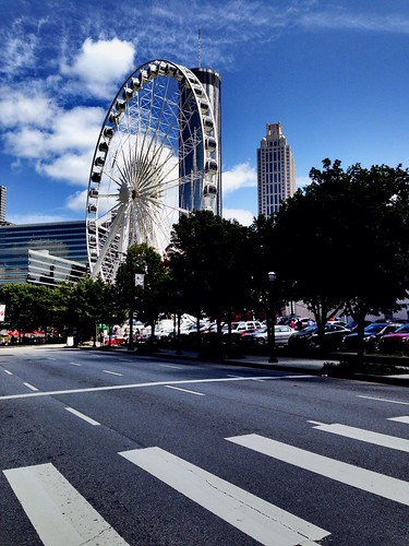 #DrivingTheDivas in #Atlanta: Water Fountain and @skyviewAtlanta from other side.