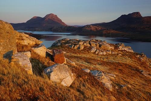 uk pink sunset mountain landscape evening scotland highlands view none sony hill escocia stac pollaidh april cul loch fe graham a7 corbett schottland ecosse 2015 beag inverpolly sionasgaig