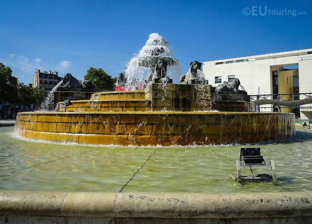 Fontaine aux lions de nubie within parc de la villette for La fontaine aux cuisines