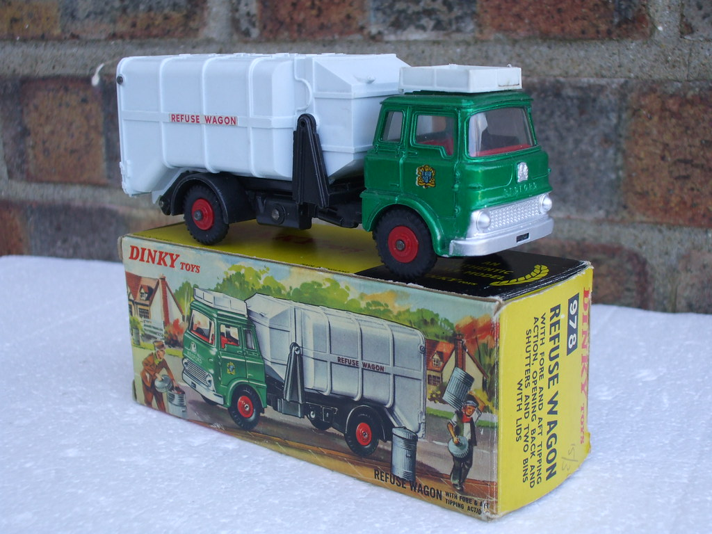 ... beetle2001cybergreen Vintage Dinky Toys Bedford TK Refuse Wagon Boxed  Retro Toy   by beetle2001cybergreen