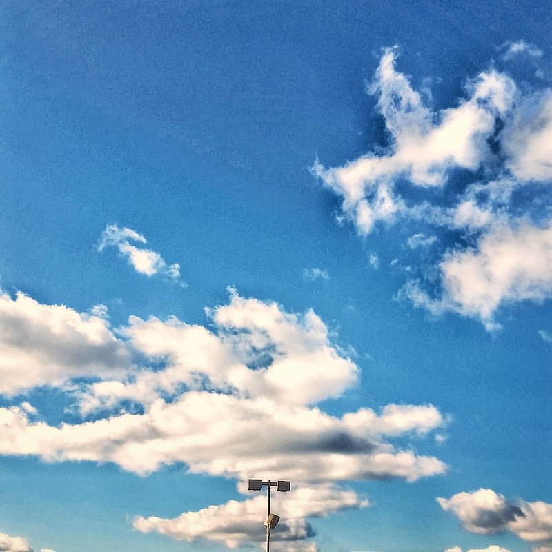 Parkinglot skies #buffalo #BuffaloNewYork #ilovewny #iloveny #RiseBFLO #igersbuffalo #newyork #travelBUF #goodafternoon #explorebuffalo #clouds #cloudporn #blueskies #