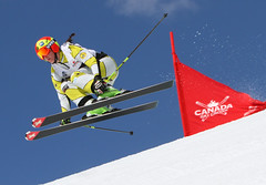 Marielle Thompson dominates during the Sport Chek Ski Cross Canadian Open in Nakiska.