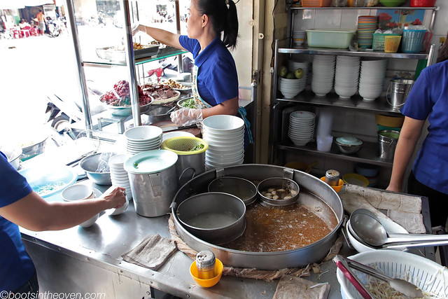 Broth and Setup at Phở Anh
