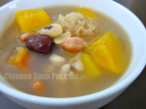 [photo-white fungus papaya peanuts and black eyed peas soup]