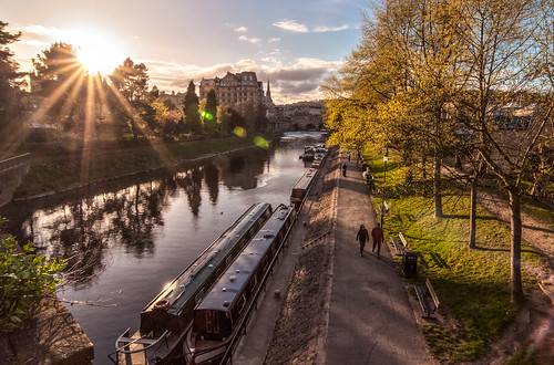 uk bridge sunset sky reflection silhouette canal bath couple britain somerset tokina barge hdr sunstar pulteneybridge d90 northparadebridge enlagland