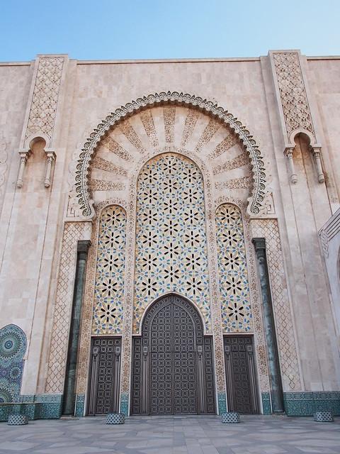 HASSAN II清真寺其中一座大門