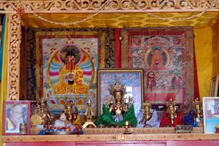 Interior de uno de los templos El entorno sagrado de las dunas Mongol Els de Mongolia - 9056692647 bce1ca59bd n - El entorno sagrado de las dunas Mongol Els de Mongolia