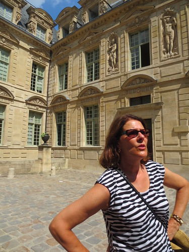 Walking Tour of Le Marais District of Paris