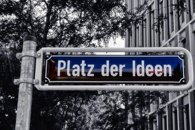 Schild - Platz der Ideen
