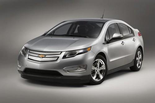 GM готовит конкурента Tesla Model S с 320-километровым запасом хода