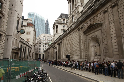 Bank of England Queue