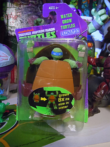 WICKED COOL TOYS :: Nickelodeon TEENAGE MUTANT NINJA TURTLES; 'WATER GROW TURTLES' - LEONARDO i  (( 2013 ))
