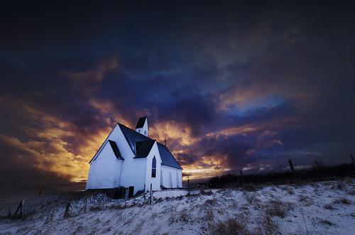 winter sunset white snow church clouds evening iceland twilight sundown cloudy dusk snowy hallgrímskirkja nightfall firey hvalfjordur saurbær