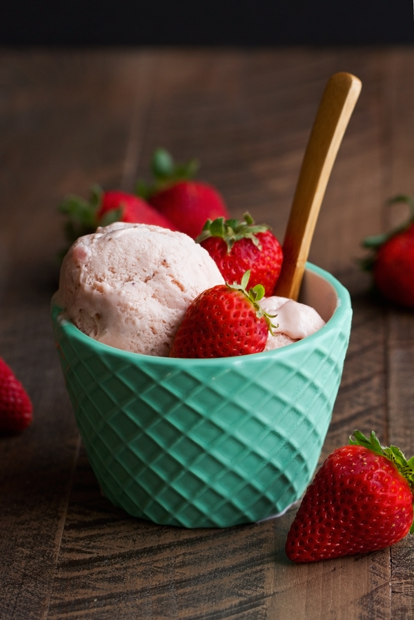 Fresh Strawberry Ice Cream With Limoncello Recipe — Dishmaps