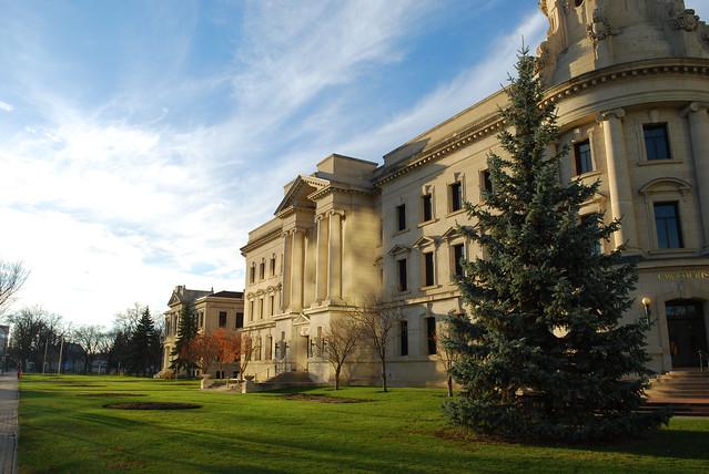 Winnipeg court building (2), Nikon D80, AF-S DX VR Zoom-Nikkor 18-55mm f/3.5-5.6G