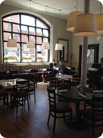 Almonte, Cafe Postino