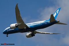 N787BX - 40692 - Boeing - Boeing 787-8 Dreamliner - Luton - 120424 - Steven Gray - IMG_1420