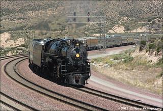 AT&SF 3751 Takes the Turn at Summit