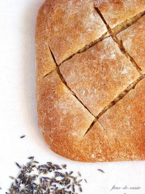 хлеб с медом и лавандой 1