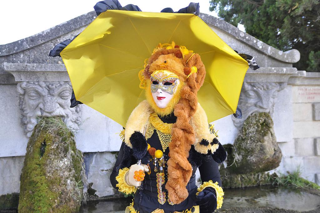 sur les images de pieds de hot-vente plus récent matériaux de haute qualité Three Masks Fountain | La Fontaine aux Trois Masques, Lourma ...