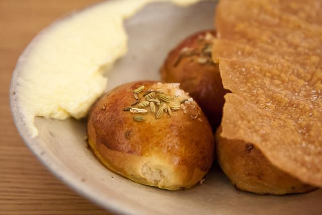 Caraway rolls and crispy flatbread, Aska