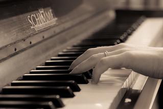 A98I4239.. La leçon de Piano!!!!
