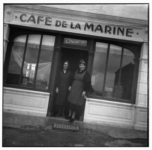 Café de la Marine et les sœurs Créac'h