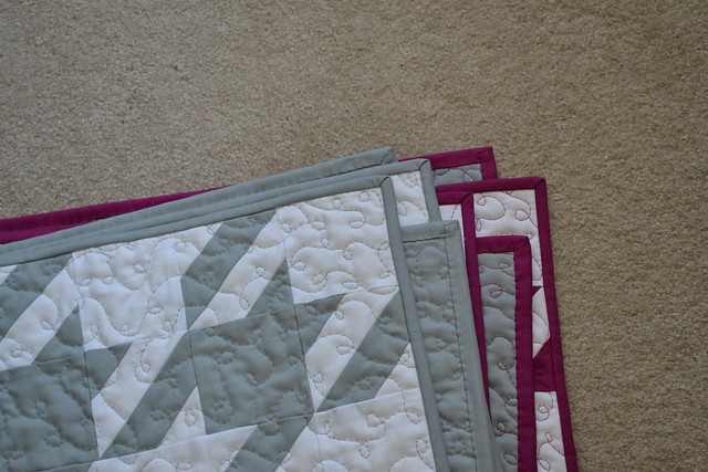 Houndstooth Quilts for the Twins