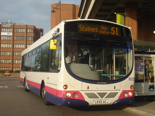First Berkshire 65726 on Route 51, Staines