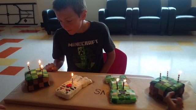 Minecraft Birthday Cake Supermarket