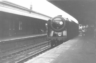 BR 7P6F Britannia Class 4-6-2 70004 'William Shakespeare' race course special, Salisbury 08.1966 (1)