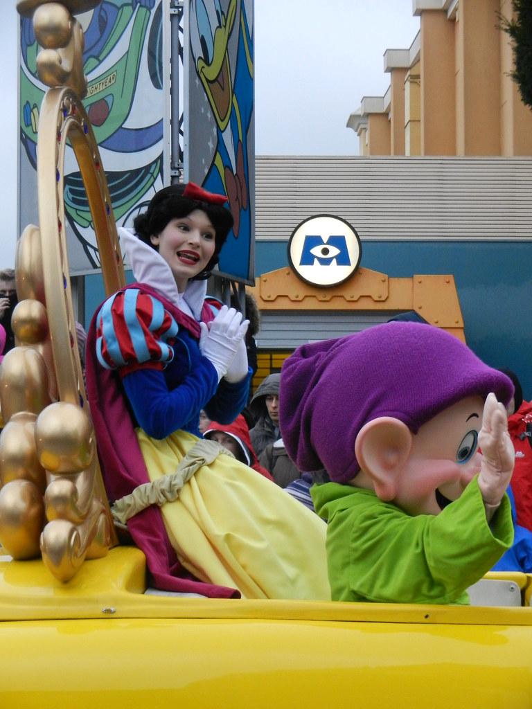 Un séjour pour la Noël à Disneyland et au Royaume d'Arendelle.... - Page 7 13903343034_2b04af08a0_b