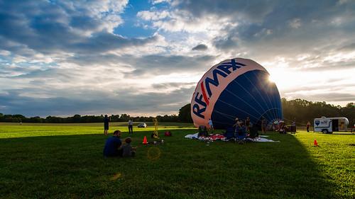 sunset concert hotairballoon musicfestival ruralhill northcarolinabrewersandmusicfestival