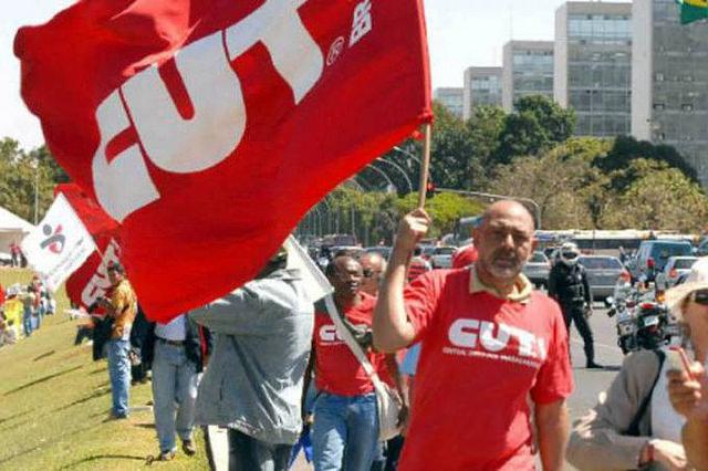 Además de la reforma de la previsión y laboral, los sindicatos incluyen en la agenda la PEC 241 - Créditos: Foto: CUT