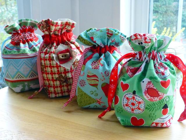 Christmas gift bags tutorial