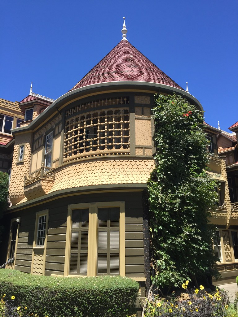 Hotels Near Winchester House