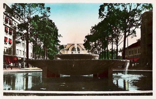 SAIGON - Jet d'eau Boulevard Charner