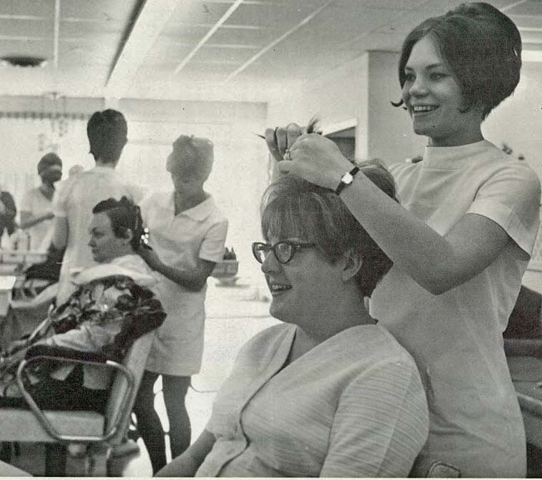 Retrospace vintage style 28 beauty salon barber shop for 1950 s beauty salon