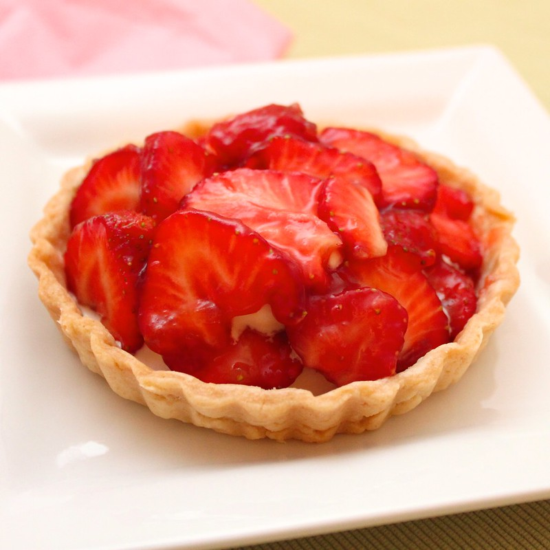 how to make strawberry tarts with shortcrust pastry