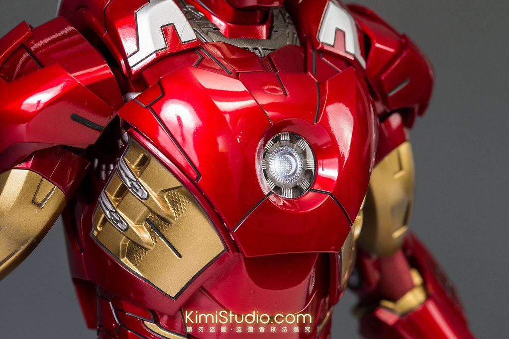 2013.06.11 Hot Toys Iron Man Mark VII-050