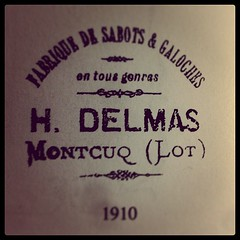 More lovely old French #typography /cc @losttypecoop - Photo of Saint-Daunès