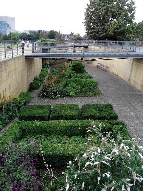 Spurengarten im Spreebogenpark