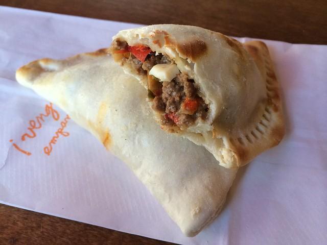Argentine beef empanada - Venga Empanadas