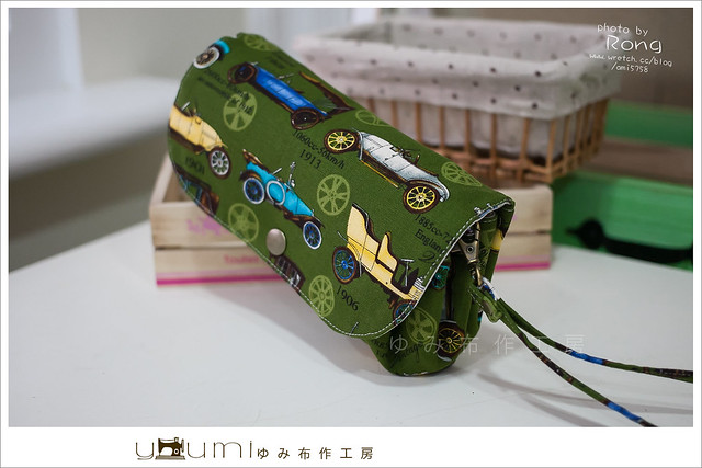 綠色古董車摺疊手拿包1