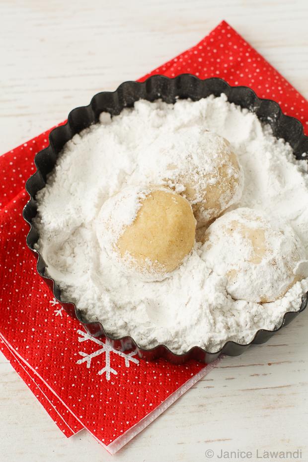 vegan cardamom clementine snowballs | kitchen heals soul