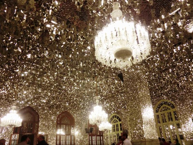 161 Sala, Interior de la mezquita de Iman Reza en Masshad. Foto de Majid Kharinkani (21)