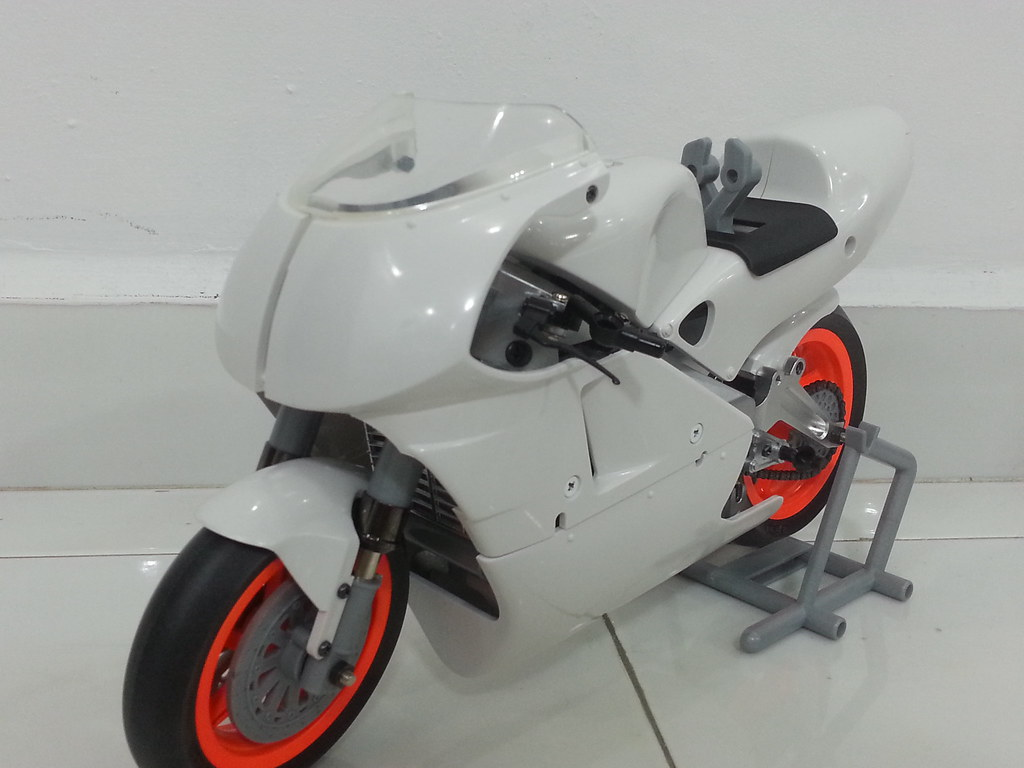 Babyboy's Kyosho Honda NSR 500 HOR 11972436366_1f1c64c393_b