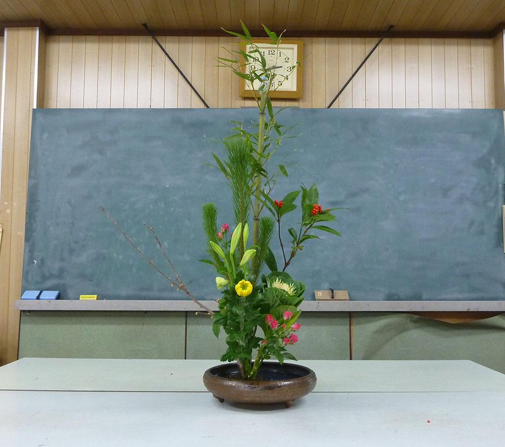 【盛花】タケ、センリョウ、ハボタン、バラ、キク