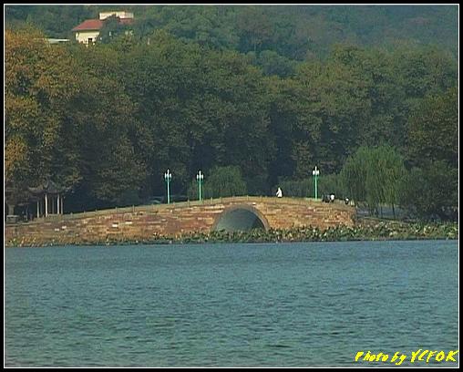 杭州 西湖 (其他景點) - 467 (西湖白堤上的孤山旁的西冷橋與慕才亭 亦是白堤的出口 白堤全長2.2公里)