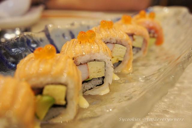3.inaho-Aburi Salmon Roll  RM22 (1)